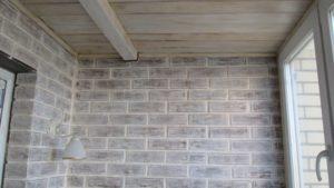 как можно покрасить кирпичную стену