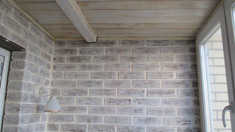 как покрасить кирпичную стену на балконе фото