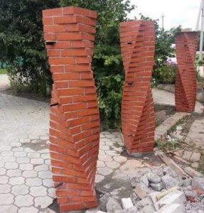 Как осуществляется кладка колонн из кирпича
